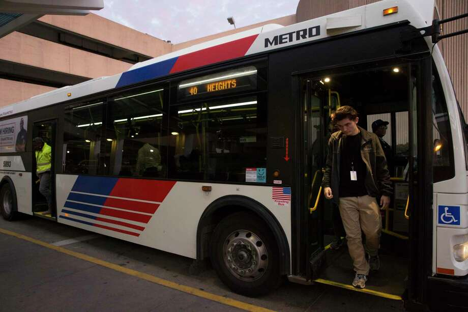 Passengers get off a Metropolitan Transit Authority Route 40 bus at Hobby Airport on Jan. 10. Plans call for extending a Metro rail line to the airport. Photo: Yi-Chin Lee, Houston Chronicle / Staff Photographer / © 2019 Houston Chronicle