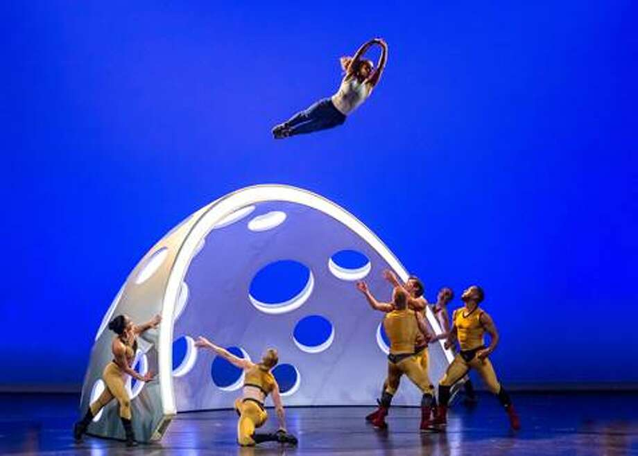 Diavolo Dance Company (credit: George Simian)