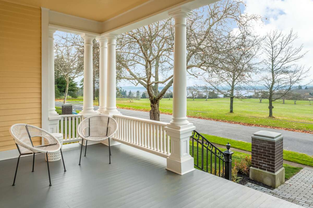 Own history and a (rather large) piece of Discovery Park in the newly built Sullivan homes: this one asks $3M
