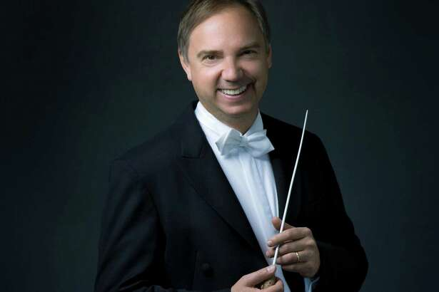 Sebastian Lang-Lessing is music director for the San Antonio Symphony.