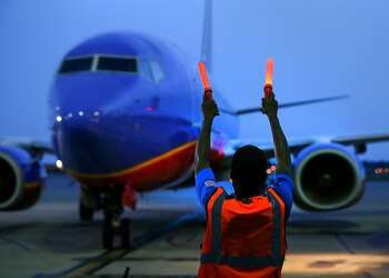 Southwest Airlines first flight to Hawaii departs Oakland