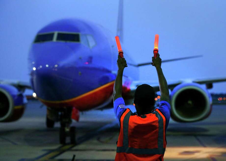 Chron.com found a cheap(ish) round trip flight from Houston to Hawaii. The catch? A layover in Oakland. Photo: Jon Shapley, Staff / Houston Chronicle / © 2015  Houston Chronicle