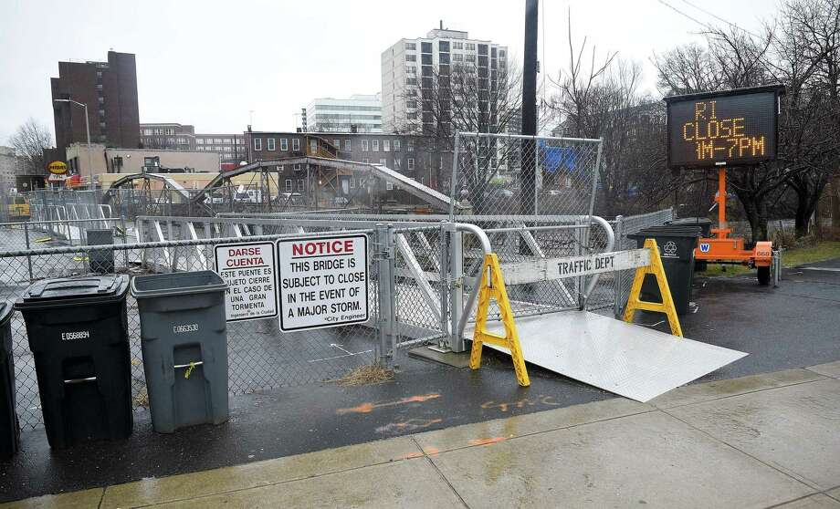 The West Main Street bridge in Stamford, Connecticut on Thursday, Jan. 24, 2019. City officials have erected barriers, cutting off pedestrian access that bridges the city's East side to the West side. Photo: Matthew Brown / Hearst Connecticut Media / Stamford Advocate