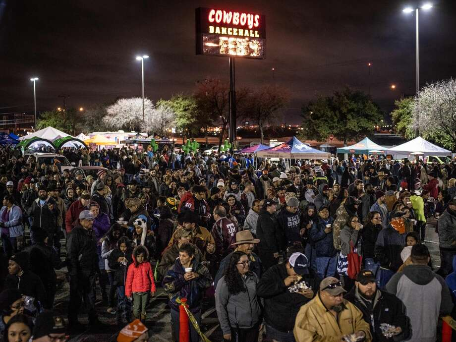 Over 30,000 are expected to attend the 41st annual San Antonio Cowboy Breakfast held outside Cowboys Dancehall in San Antonio, Texas on Friday, January 25, 2019. The Cowboy Breakfast started in 1979 and draws over 30,000 people for free tacos, coffee and other food to kick off the San Antonio Stock Show and Rodeo. Photo: Matthew Busch