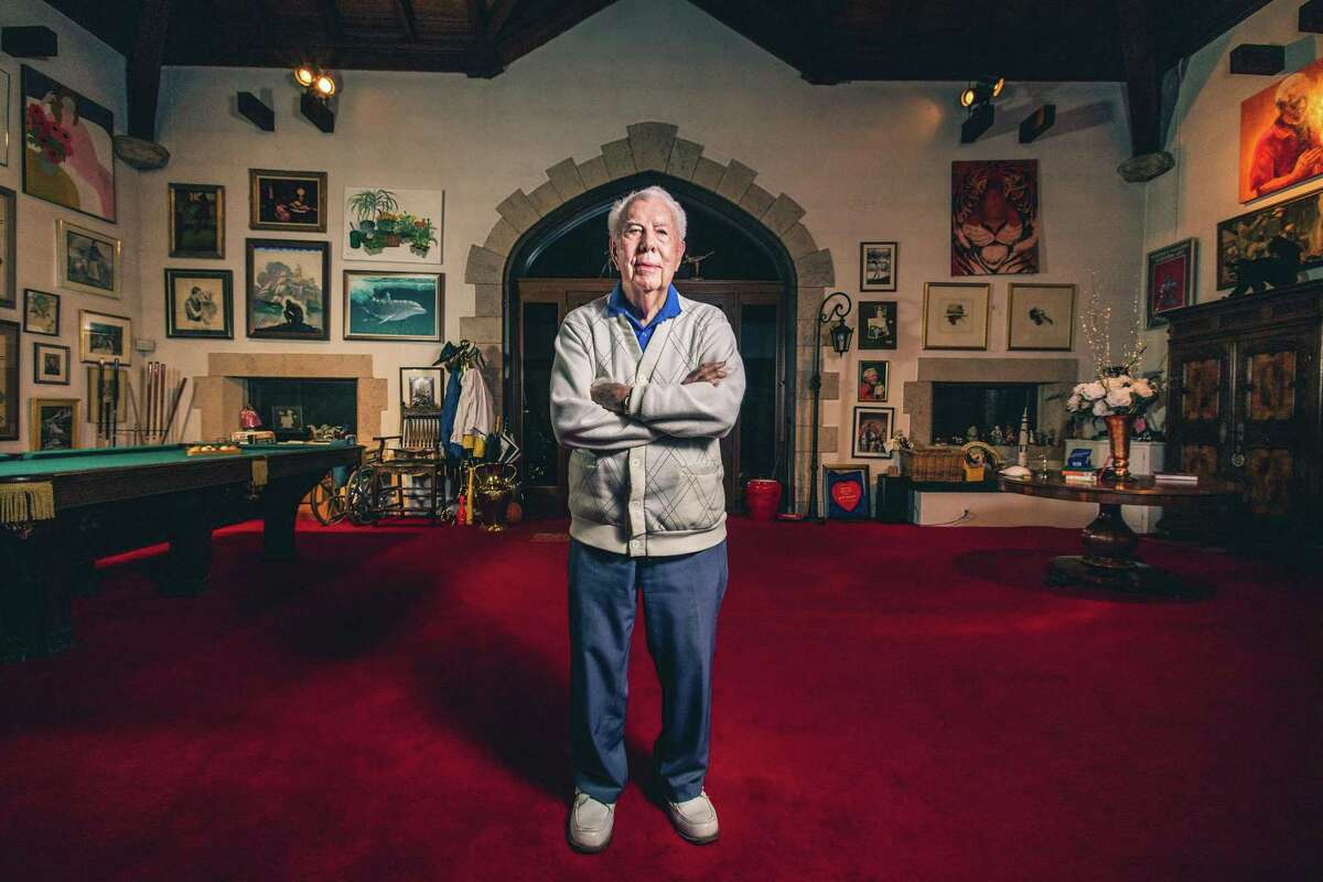 Cartoonist Mort Walker in his Stamford home in November 2015.