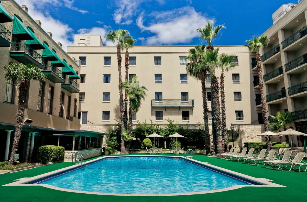 """10 best luxury resorts and boutique hotels in the San Antonio area, according to USA Today 10. Menger Hotel USA Today's hot take: """"This beautiful historic hotel offers you a unique perspective into San Antonio's past."""" Source: USA Today"""