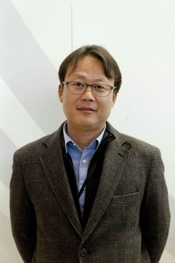 Korean author Un-Su Kim