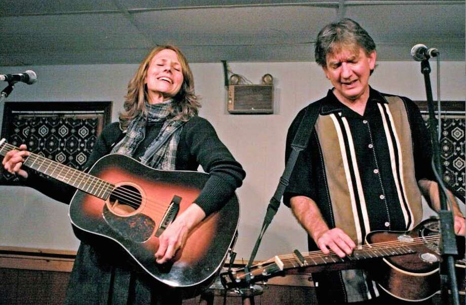 Tracy Grammer and Jim Henry perform at Voices Cafe on Saturday. Photo: Contributed