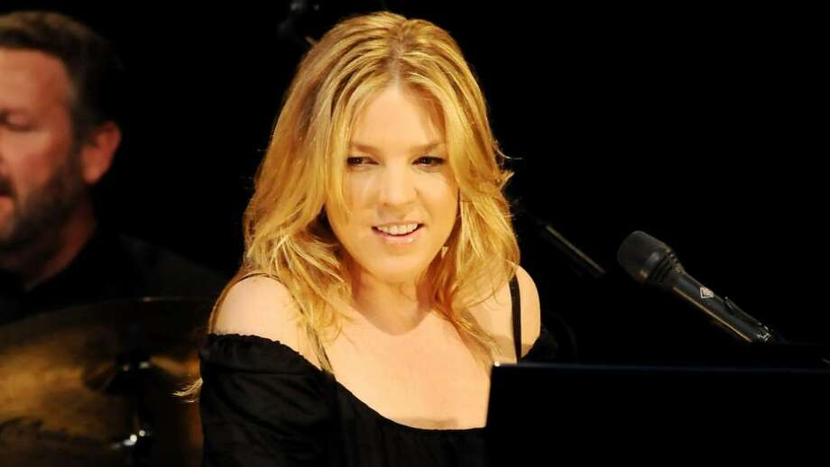 Singer Diana Krall performs in Madrid, Spain, in 2008. Krall and Paul Simon will perform in Greenwich in October at a fundraiser for Norwalk-based Multiple Myeloma Research Foundation. Photo: Carlos Alvarez, Getty Images / 2008 Getty Images