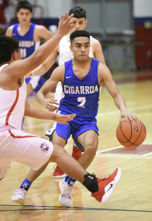 Barry Callahan and Cigarroa look to bounce back Tuesday againsty Calallen after falling to Martin last Friday. Photo: Danny Zaragoza /Laredo Morning Times