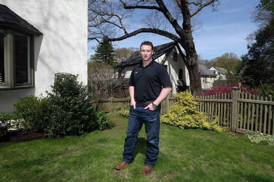 Former Navy SEAL Carl Higbie hat his mother's home in Greenwich in 2016. Photo: Michael Cummo / Hearst Connecticut Media / Stamford Advocate