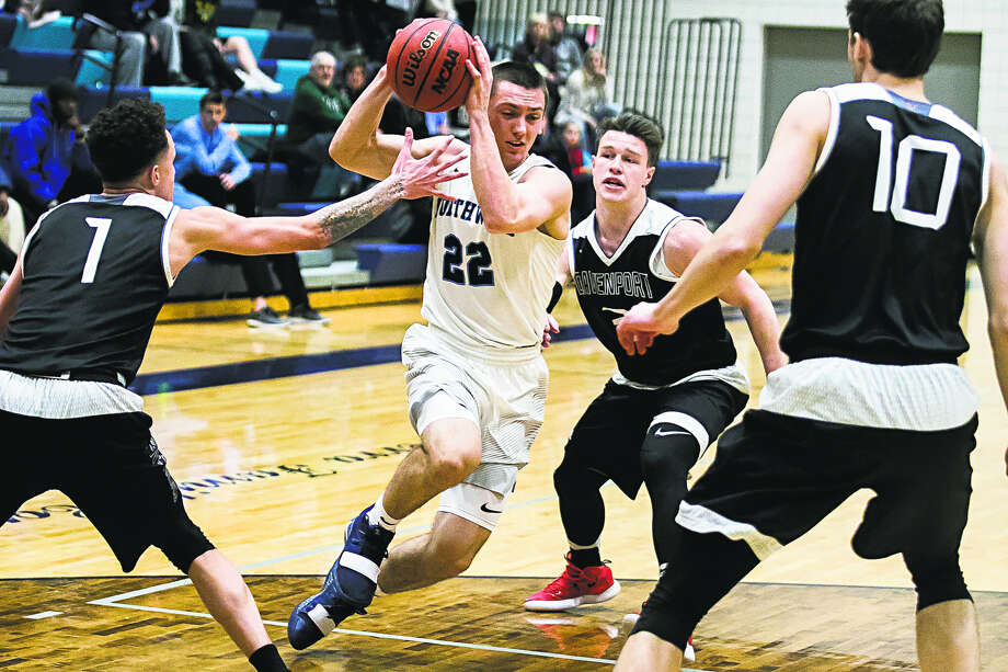 Northwood's Alec Marty drives into the paint in a game against Davenport earlier this season. Photo: Daily News File Photo