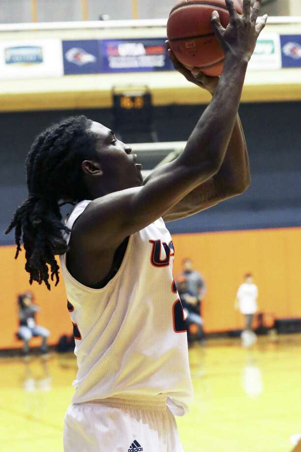 Keaton Wallace shoots in the open to score the game winner as UTSA hosts Old Dominion at the UTSA Convocation Center on January 26, 2019. Photo: Tom Reel, Staff / Staff Photographer / 2019 SAN ANTONIO EXPRESS-NEWS