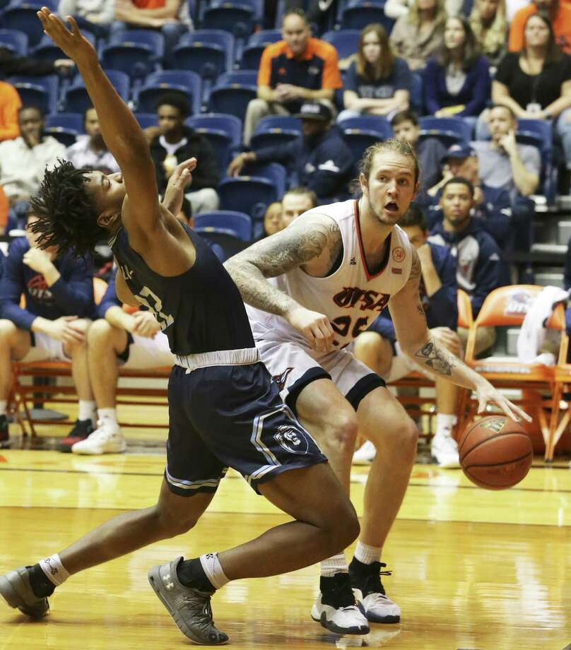 Nick Allen clears Kalu Ezikpe out of the way as UTSA hosts Old Dominion at the UTSA Convocation Center on January 26, 2019. Photo: Tom Reel, Staff / Staff Photographer / 2019 SAN ANTONIO EXPRESS-NEWS