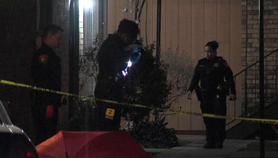 San Antonio police say a man is in stable condition after being shot outside an apartment on the Southeast Side Sunday morning, Jan. 27, 2019. Photo: 21 Pro Video