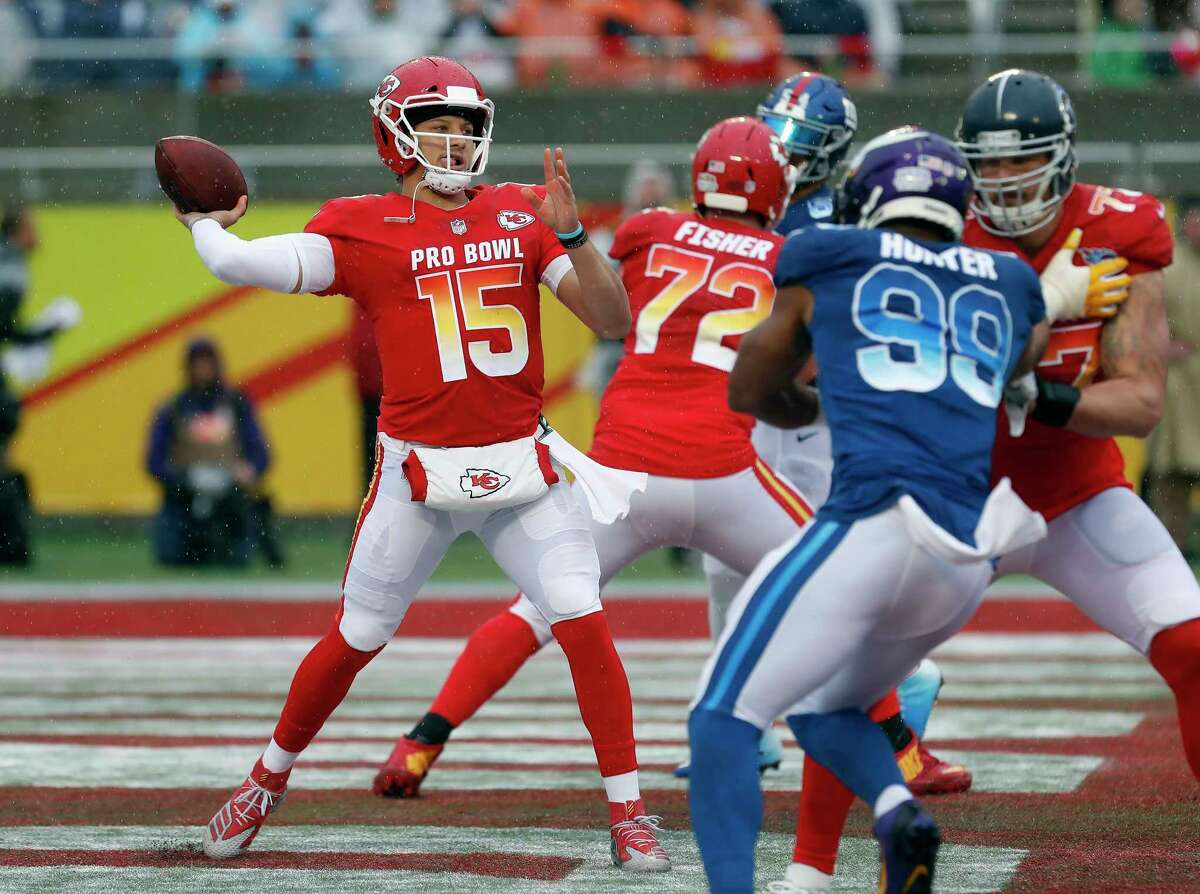 AFC quarterback Patrick Mahomes (15), of the Kansas City Chiefs, throws a pass against the NFC during the first half of the NFL Pro Bowl football game Sunday, Jan. 27, 2019, in Orlando, Fla.