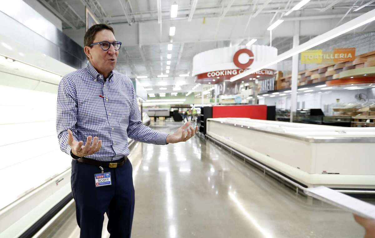 H-E-B company president Scott McClelland talks as he tours the newest H-E-B, which is opening its long-awaited Heights store on January 30, Friday, Jan. 11, 2019, in Houston.