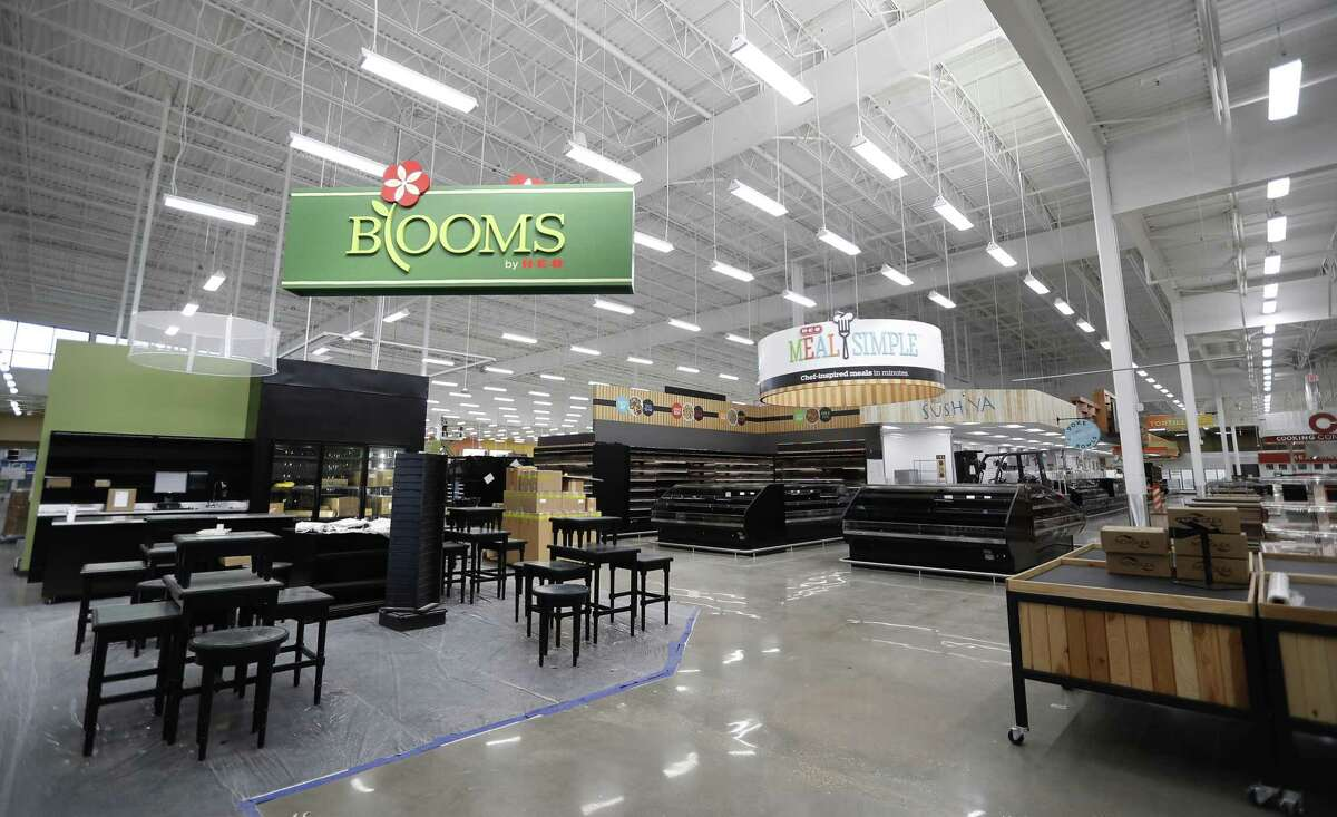 Enterior of the newest H-E-B, which is opening its long-awaited Heights store on January 30, Friday, Jan. 11, 2019, in Houston.