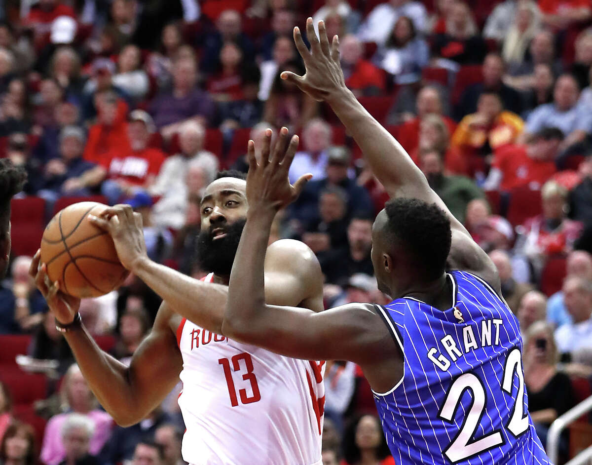 Jerian Grant, guarding James Harden in 2019, has signed with the Rockets.