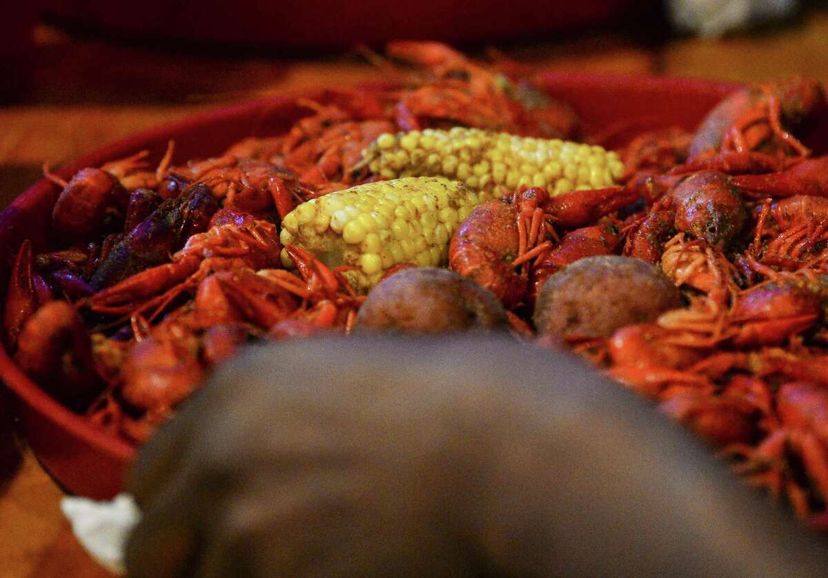 Red's Icehouse in Beaumont is advertising a discounted take-out menu: Domestic beer: $2 Imported beer: $2.50 Boiled crawfish: $4.99/lb Boiled shrimp: $9.99/lb Boiled blue crabs: $9.99/lb Boiled snow crabs: $14.99/lb Deluxe platter: $29.99 Other items for sale -- including staples such as eggs, milk and toilet paper -- can be found on the bar's Facebook page. Uniformed first responders and medical professionals are being given a 20 percent discount as well. Photo taken on Thursday, 01/24/19 at Floyd's Crawfish. Ryan Welch/The Enterprise