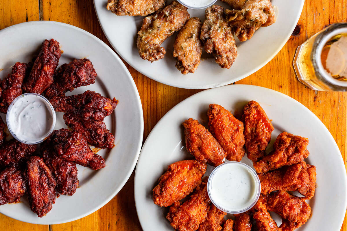 Jax Grill 1613 Shepherd; 6510 S. Rice 4 p.m. to until the game endsThe Super Bowl is nothing if not an excellent excuse to eat mountains of wings for hours on end. Place your bet on how many you can put away at Jax Grille, where they're 25 percent off. Bonus: You can also save 25 percent on the mesquite-grilled fajitas. The kitchen closes at 9 p.m. but the drinks deals go through the end of the game.