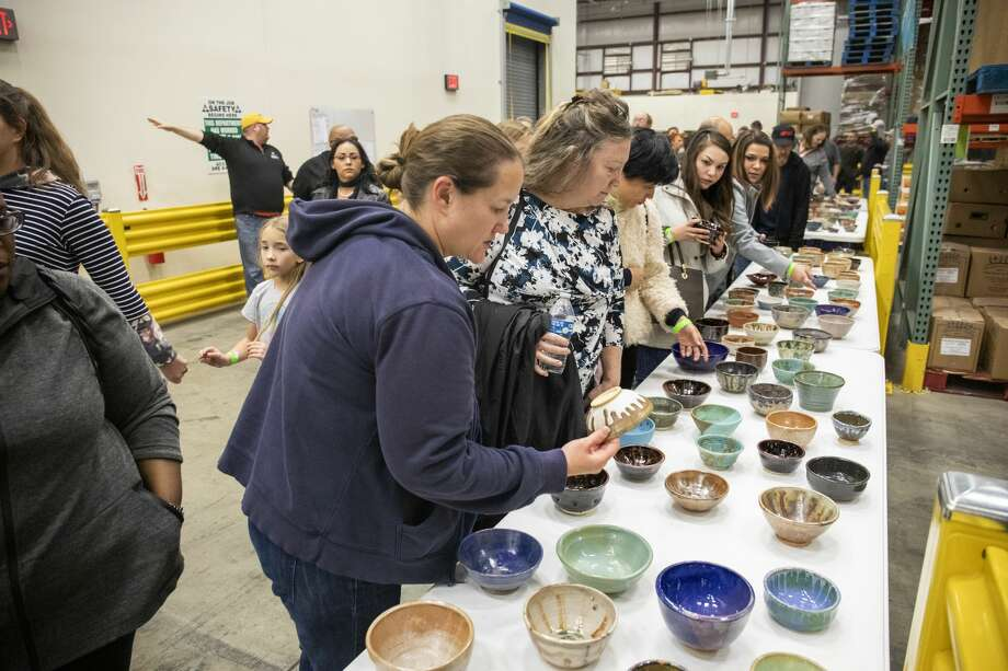 The West Texas Food Bank held the 19th annual Empty Bowls at 411 S. Pagewood Ave. on Friday night.   Jacy Lewis/191 News Photo: Jacy Lewis/191 News