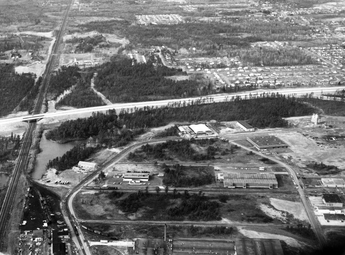 Colonie aerial view. Northway I-87, Dec, 23, 1959.