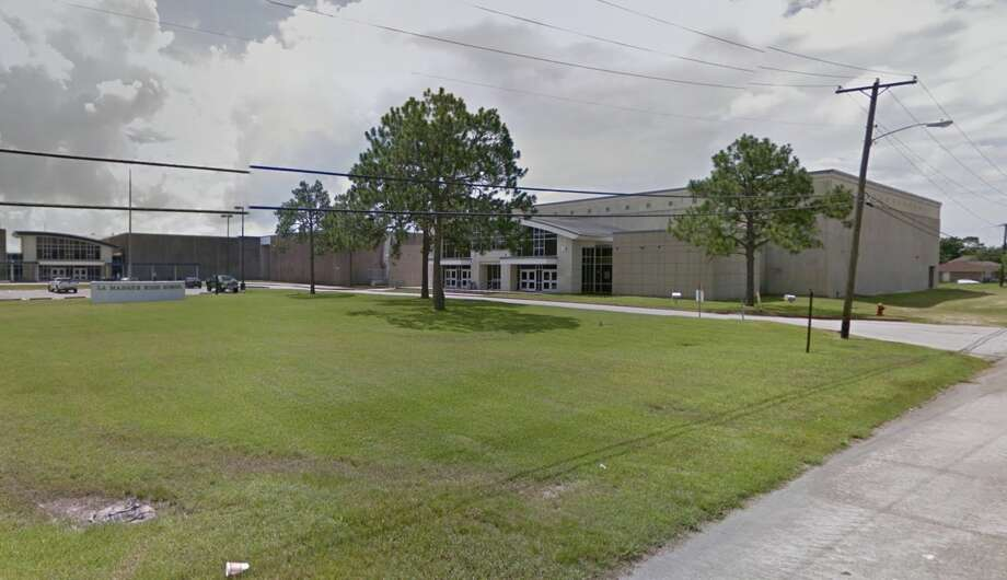 Authorities are investigating a bomb threat at La Marque High School on Monday, Jan. 28, 2019. Photo: Google Maps