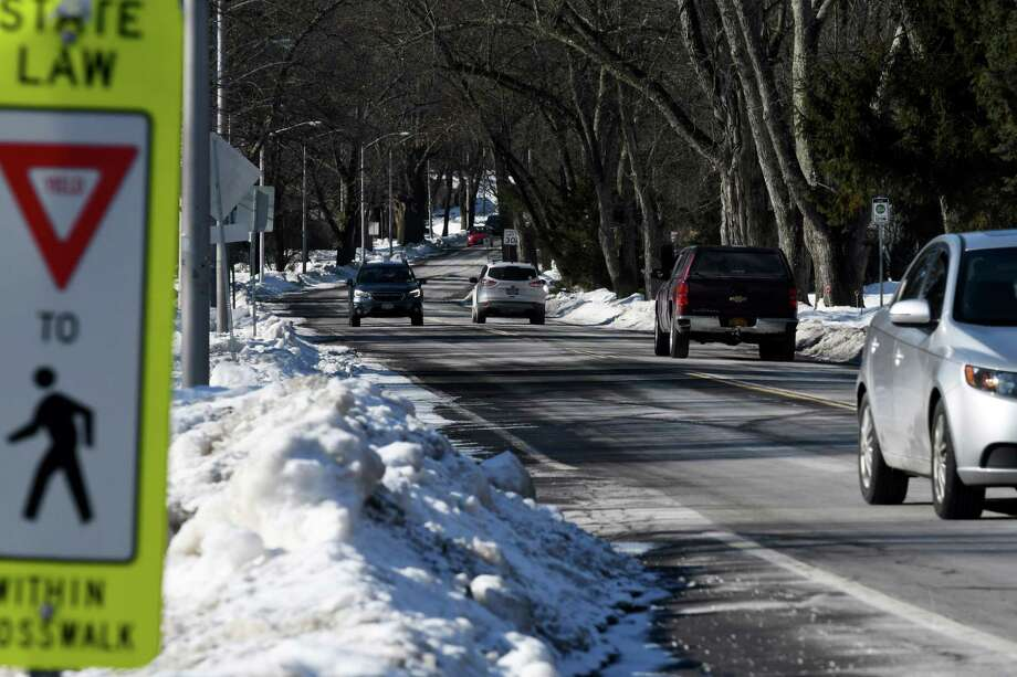 View looking down Nott Street from Balltown Road near the Niskayuna Co-op supermarket on Monday, Jan. 28, 2019, in Niskayuna, N.Y. Schenectady County, with support from the Town of Niskayuna, has secured a $1.5 million federal grant to improve Nott Street in the area between Balltown Road and Clifton Park road. The goal is to reduce accidents, improve safety pedestrian safety and support accessibility for local businesses. (Will Waldron/Times Union) Photo: Will Waldron, Albany Times Union