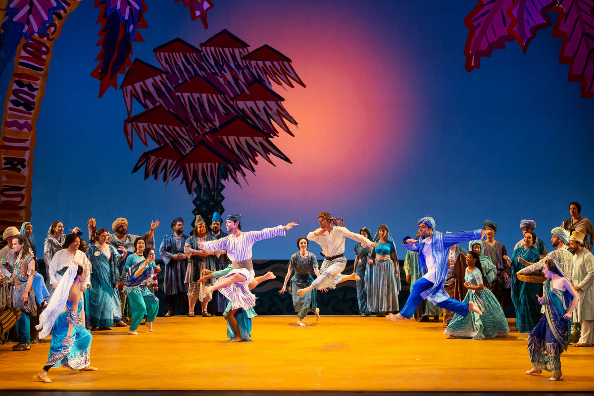 The chorus of 'The Pearl Fishers'
