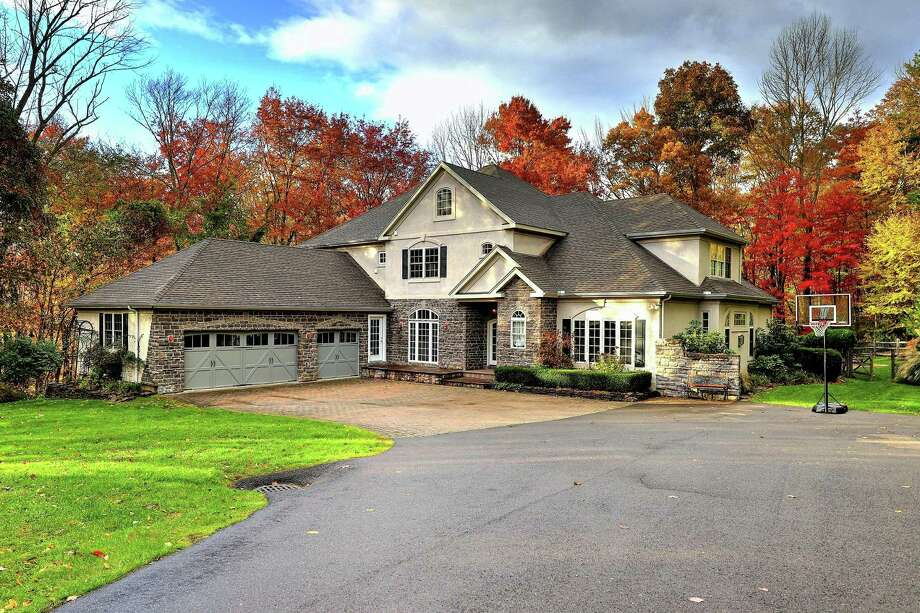 Photo: Coldwell Banker Residential Brokerage / ONLINE_CHECK