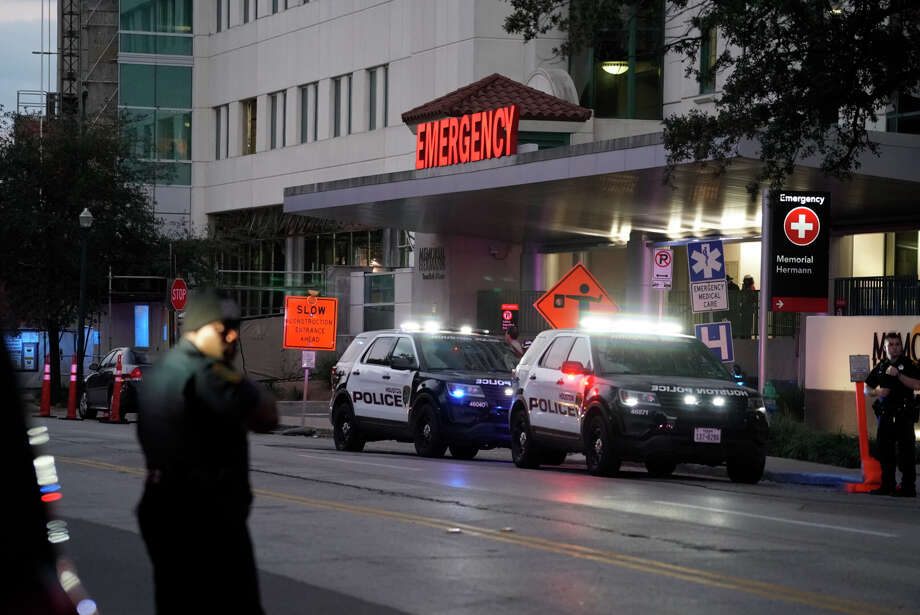 Emergency vehicles outside Memorial Hermann Hospital in the Texas Medical Center where injured officers were bring transported following a shooting Monday afternoon. Photo: Mark Mulligan / Houston Chronicle