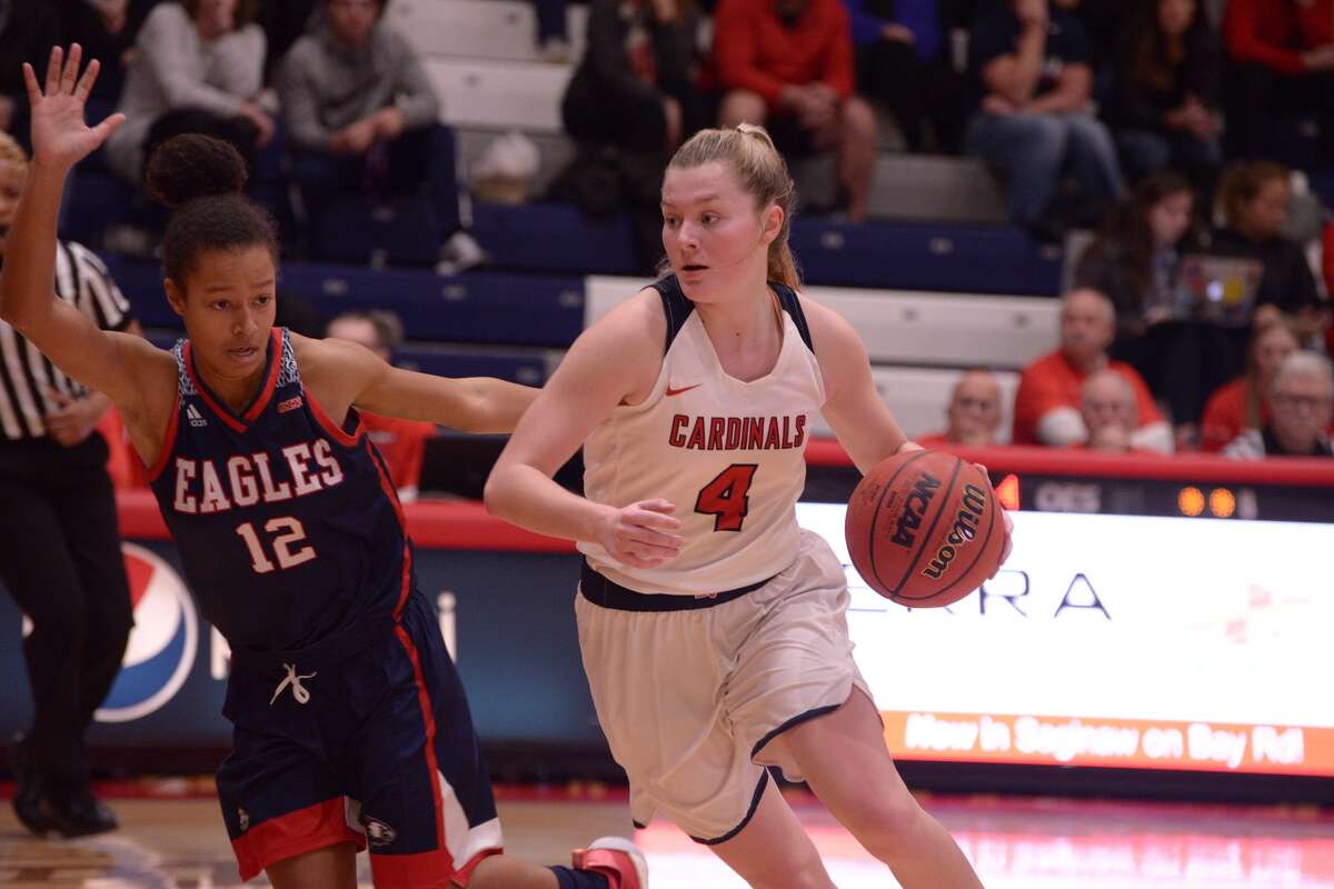 Saginaw Valley State's Maddie Barrie drives the lane in a game against Southern Indiana earlier this season.