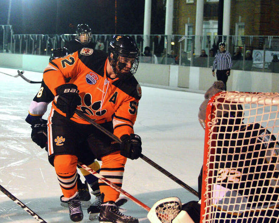 IL H.S.: HOCKEY - Hinterser Is Two-sport Standout For Tigers