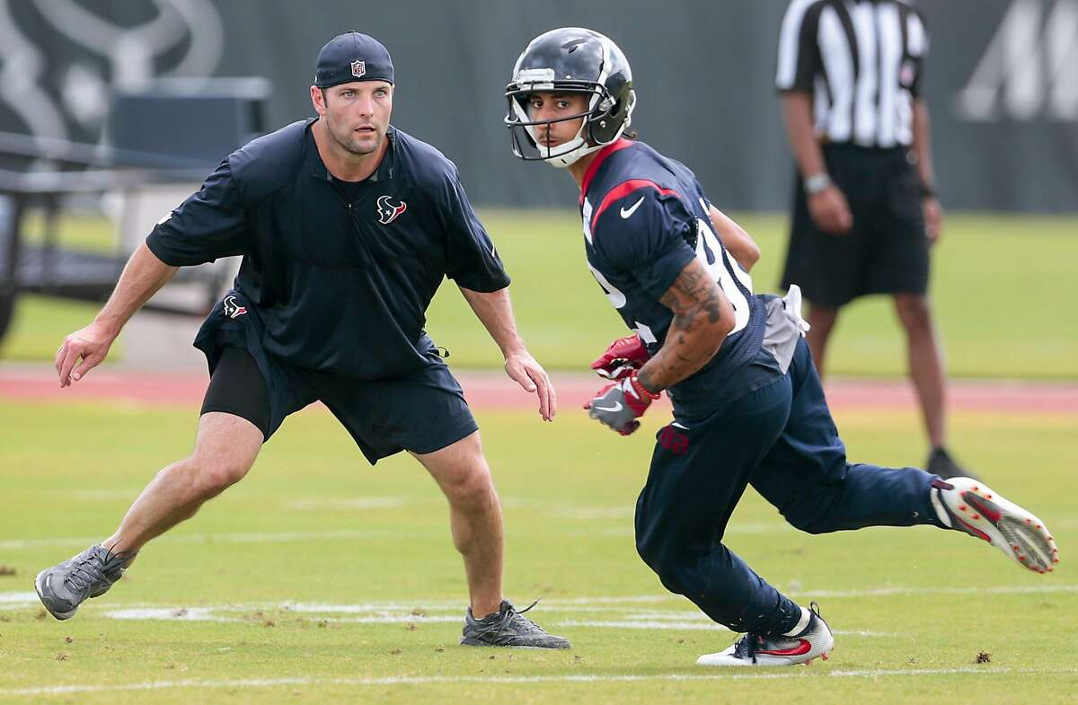 Houston Texans assisstant coach Wes Welker, left, runs a drill with wide receiver Wendall Williams during mini camp at The Methodist Training Center on Tuesday, June 13, 2017, in Houston. ( Brett Coomer / Houston Chronicle )