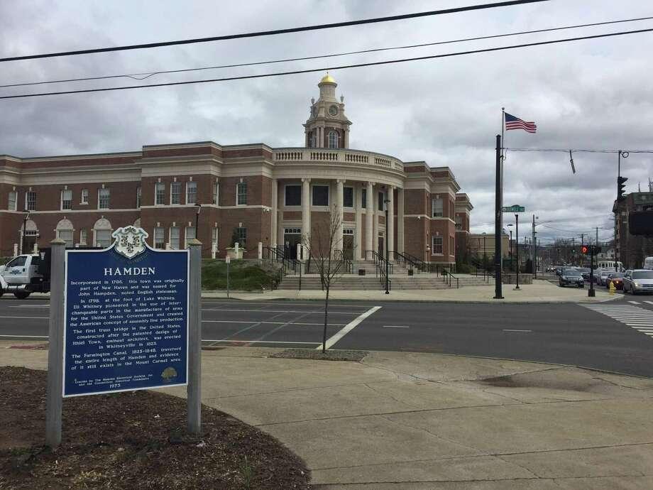 Memorial Town Hall in Hamden. Photo: Ben Lambert / Hearst Connecticut Media
