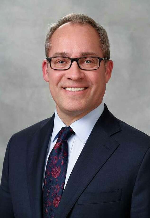 SIU SDM grad among four new Delta Dental of Illinois board