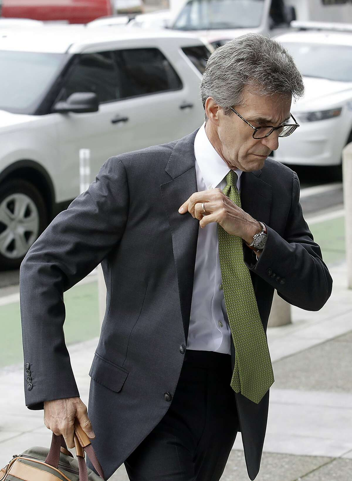 Attorney Stephen Karotkin, representing Pacific Gas & Electric Corp., arrives at a Federal Courthouse in San Francisco, Tuesday, Jan. 29, 2019. Faced with potentially ruinous lawsuits over California's recent wildfires, Pacific Gas & Electric Corp. filed for bankruptcy protection Tuesday in a move that could lead to higher bills for customers of the nation's biggest utility and reduce the size of any payouts to fire victims. (AP Photo/Jeff Chiu)