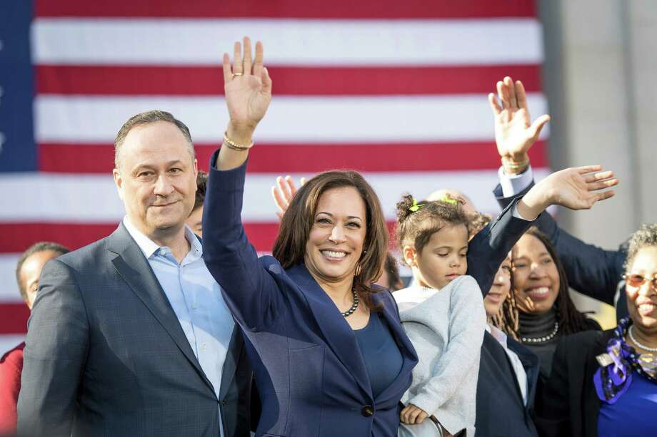 "Sen. Kamala Harris, D-Calif., says she supports a ""Medicare-for-all"" policy that would nearly do away with private insurance companies. Photo: Bloomberg Photo By David Paul Morris. / © 2019 Bloomberg Finance LP"