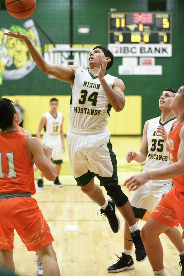 Martin Tovar was one of four Nixon players in double figures with 14 points Tuesday in an 82-79 win over No 20 United. Photo: Danny Zaragoza /Laredo Morning Times