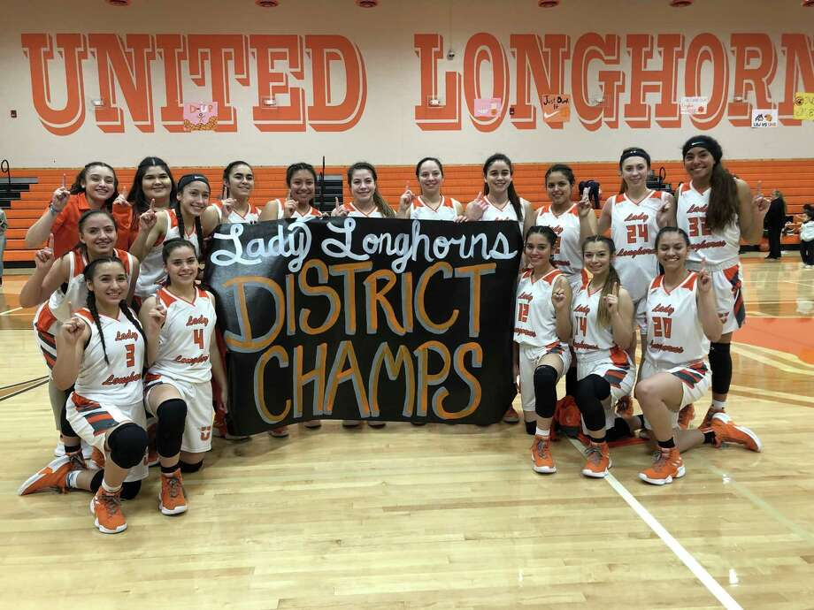 United clinched the District 29-6A title on Tuesday on its home floor with a 74-43 victory over Nixon. Photo: Clara Sandoval / Laredo Morning Times