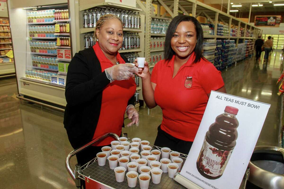 New Heights H-E-B's grand opening at 2300 N. Shepherd Drive.