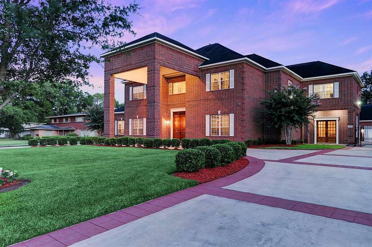 MacGregorNeighborhood median sale price:$310,0003912 Roseneath DriveList price: $1.6M12,031 square-feet