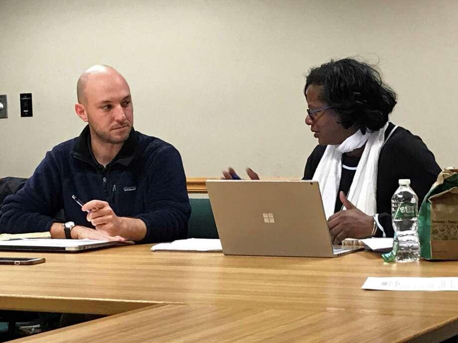 Alder Aaron Greenberg, D-8, and New Haven Public Schools Survey Coordinator Carolyn Ross-Lee. Photo: Brian Zahn / Hearst Connecticut Media