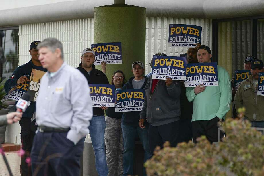 Members of the United Steelworkers Union Local 13-423 gathered Wednesday afternoon at a Port Arthur hotel as national leadership continued to negotiate out a contract with Valero set to expire in a little over a day. Photo taken on Wednesday, 01/30/19. Ryan Welch/The Enterprise Photo: Ryan Welch / The Enterprise / ©Ryan Welch