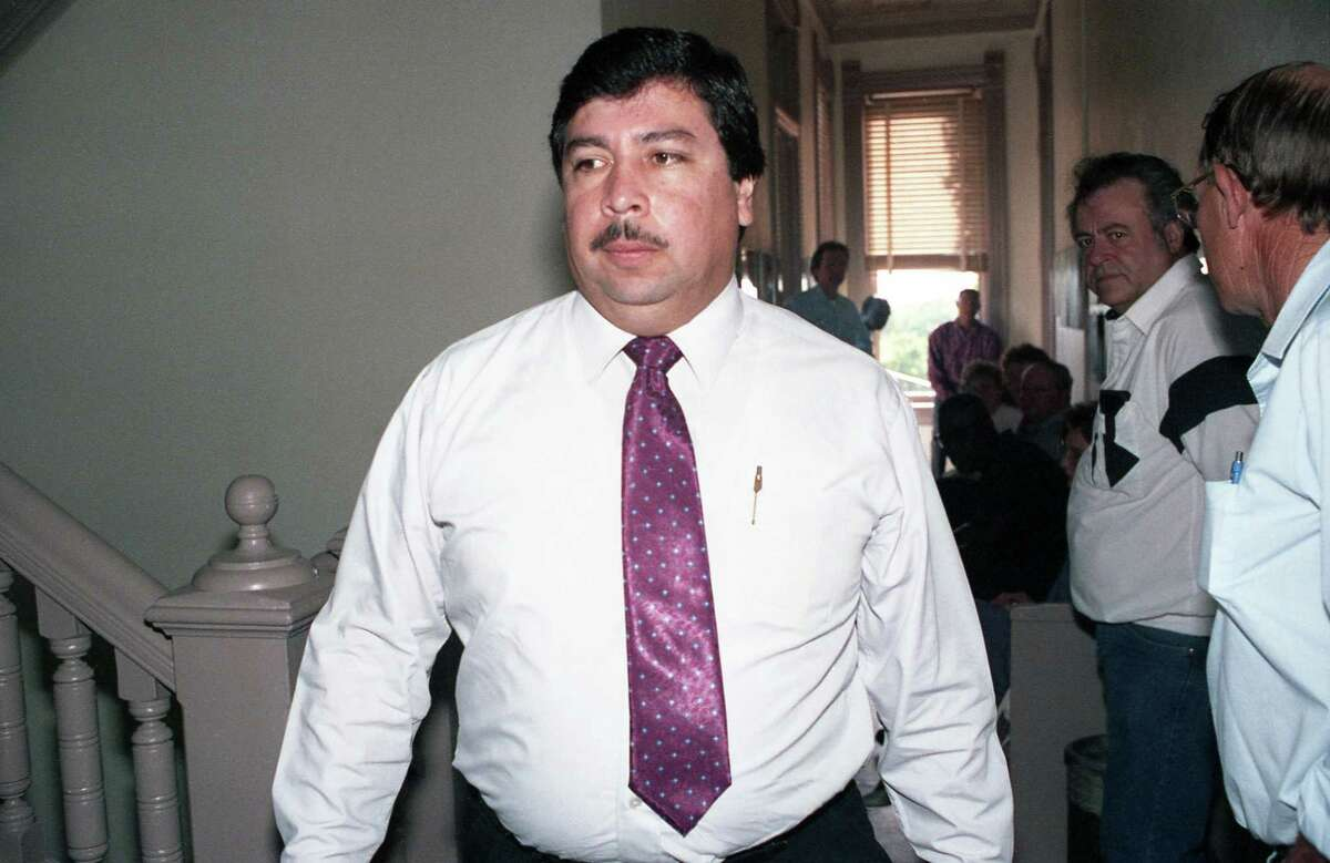 Former Catholic priest Fernando Noe Guzman arrives at Grimes County courthouse in Anderson for his trial in 1992.