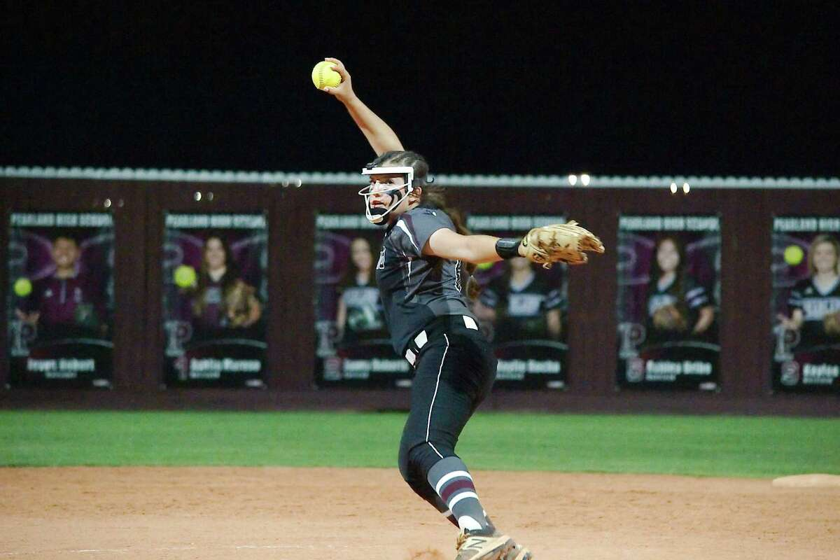 Pearland pitcher Alyssa Fort (18) is one of only two returning starters for the Lady Oiler softball team in 2019.