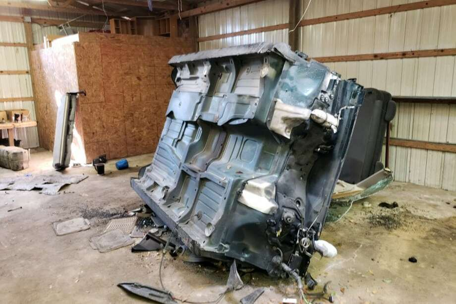 A collaborative effort between law enforcement agencies resulted in shutting down a chop shop near Splendora where dozens of stolen car parts were discovered Monday. Photo: Scott Engle / Montgomery County Police Reporter