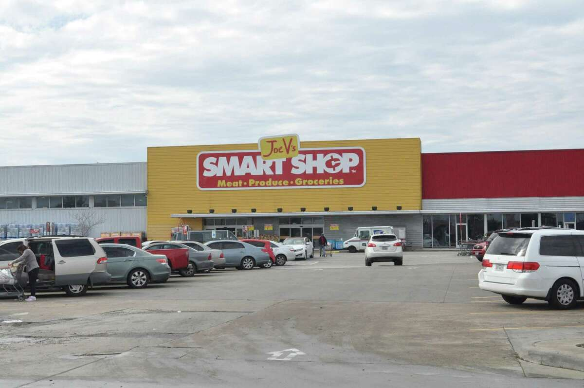 A Joe V's Smart Shop in southwest Houston, a chain created by San Antonio grocery chain H-E-B to serve low-income customers. The company concentrates on squeezing costs out of overhead to offer extra low prices to their customers.