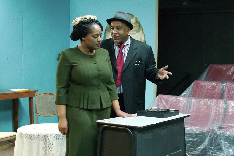"""James West portrays a physician named Sam and Caprice Carter is Delia, who campaigns to establish family planning clinics in Harlem, in the Pearl Theater's production of """"Alabama Sky."""" Photo: Kirk Sides / Staff Photographer / © 2018 Kirk Sides / Houston Chronicle"""